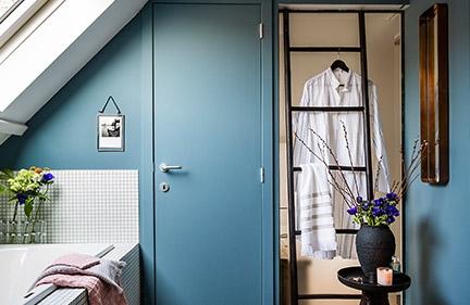 Une salle de bain comme un salon